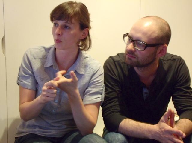 Monika Chlebekさん(左)とDawid Czyczさん