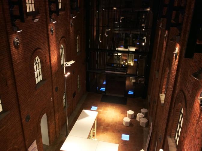 メイン会場のArt_Inkubatorは地上3階まで全てが展示会場になっている