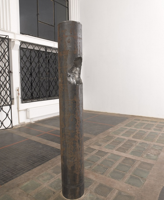 Olaf Brzeski / At heart, 2013 steel