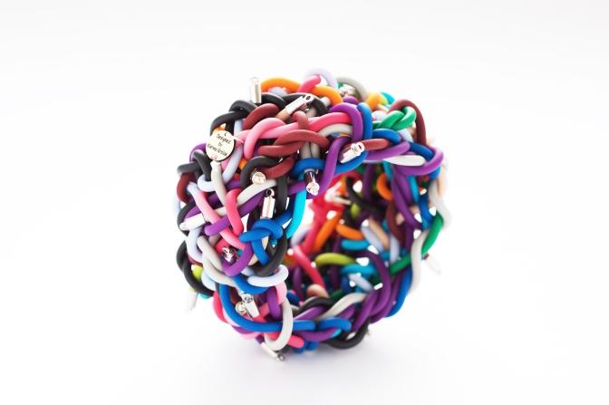 pasta wireシリーズのバングル。