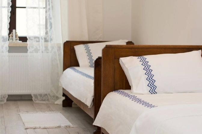 もう一つのお部屋にはシングルベッドが2台